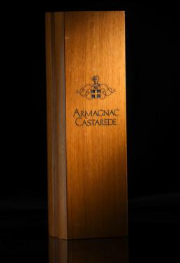 Gravure sur bois pour coffret bois Armagnac Castarede