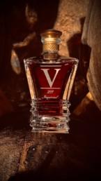 Gravure sur cristal carafe Cognac Barbotin. Une réalisation MSV, technique de Micro Sablage Verrier.